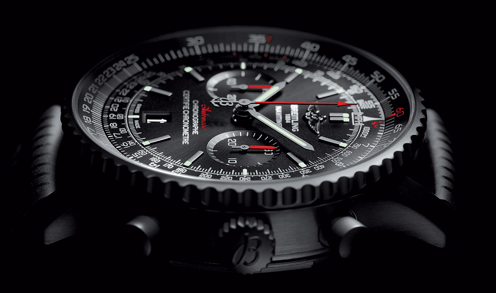 Breitling Navitimer 46 Blacksteel - side
